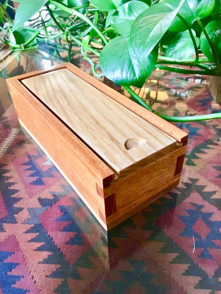 Dovetail Box by ENRIQUE HULSZ