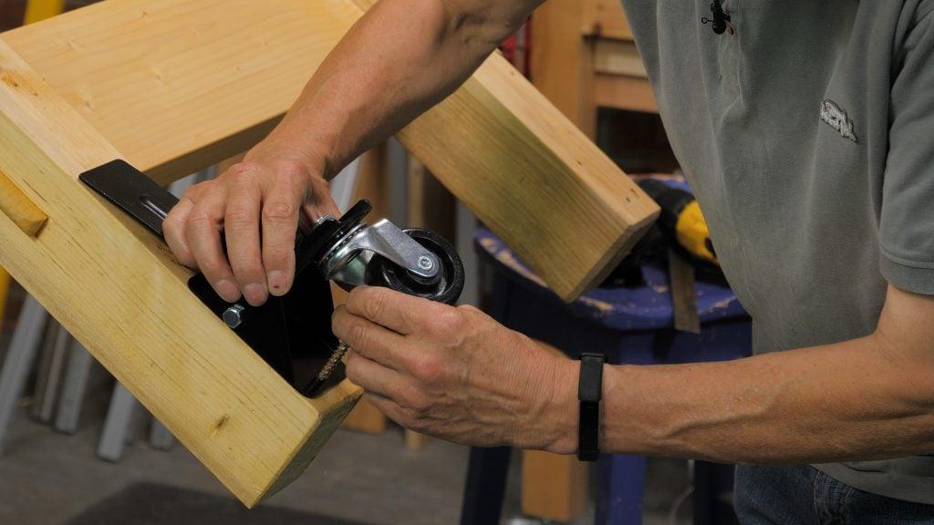 Fitting the Castors Keyframe
