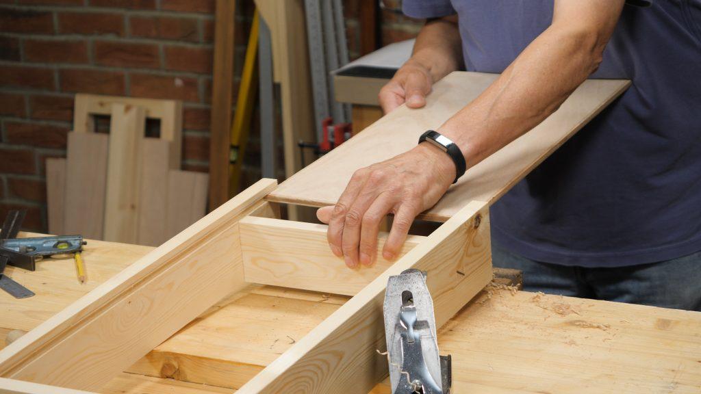 Bench Drawer EP5 Keyframe