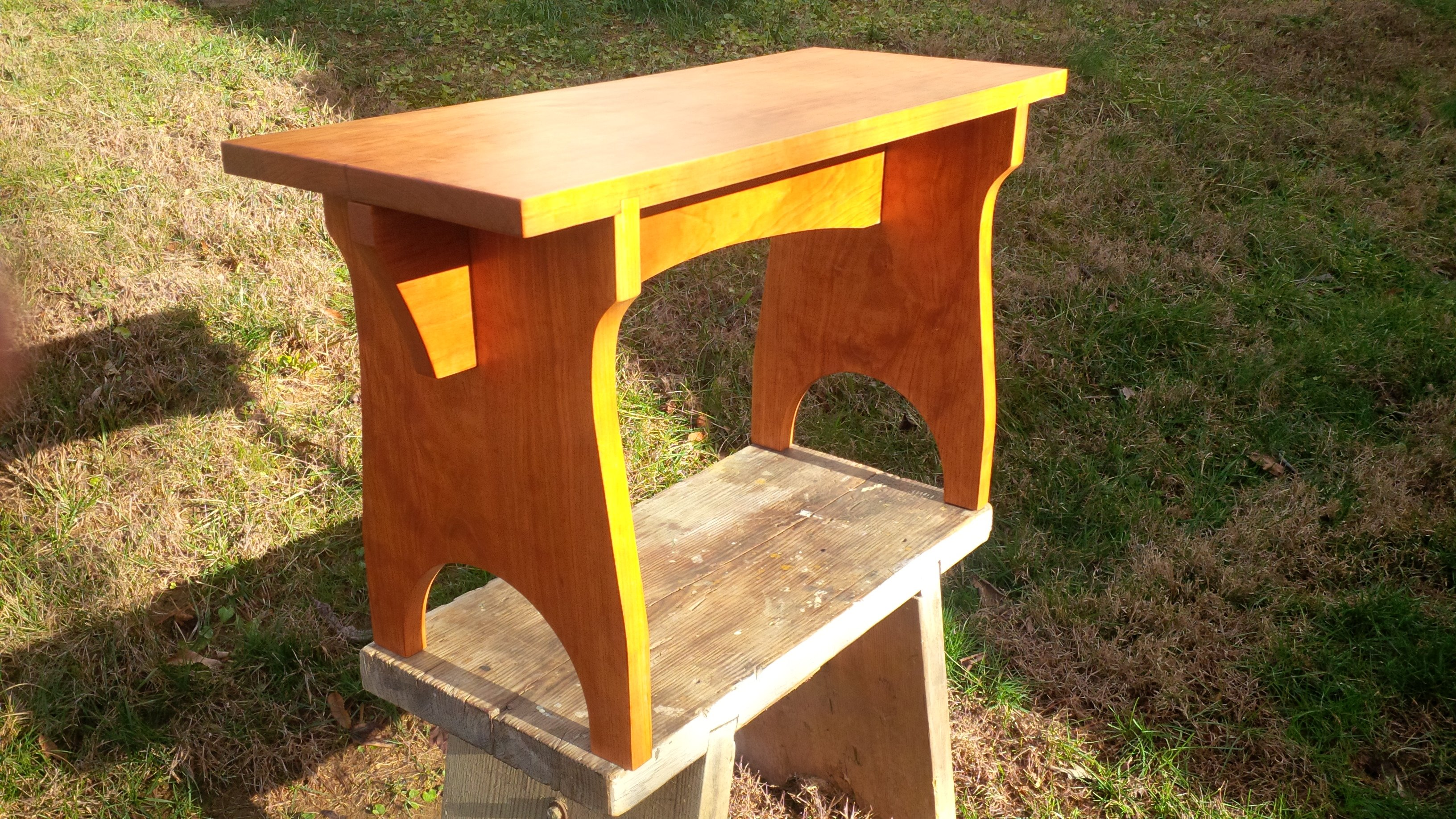 Shaker Stool by onstage