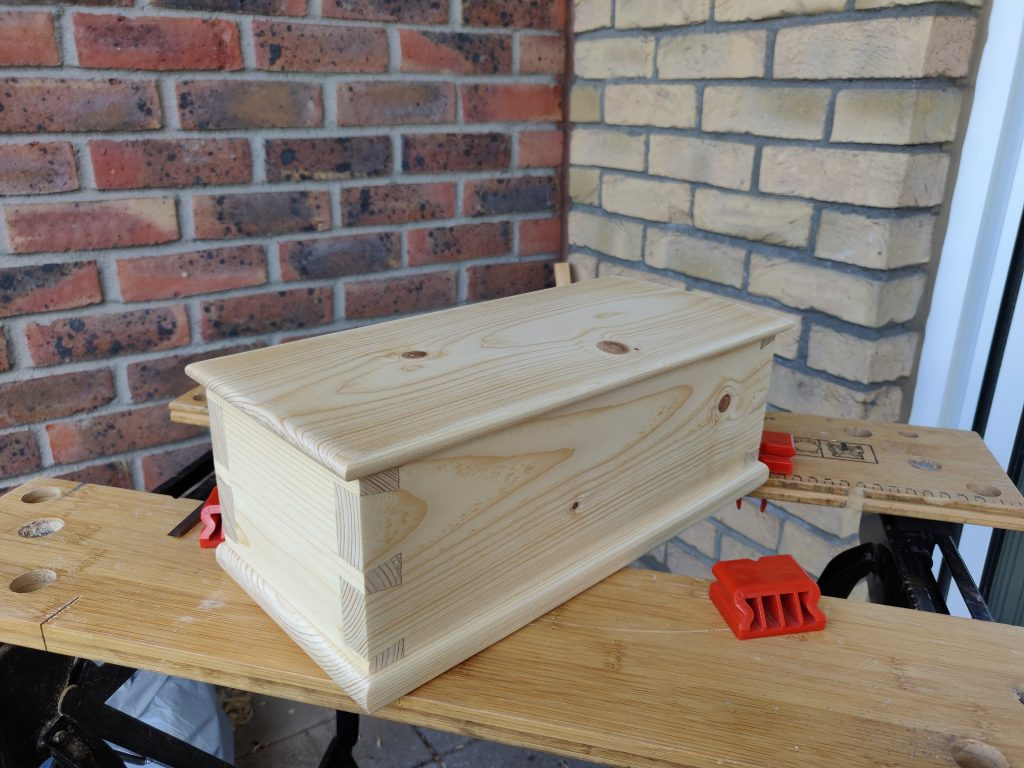 Dovetail Box by Alan Connon