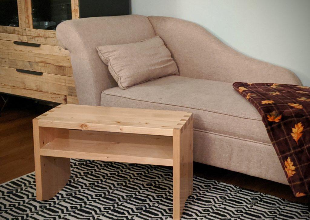 Sofa Server by Roberto Fischer