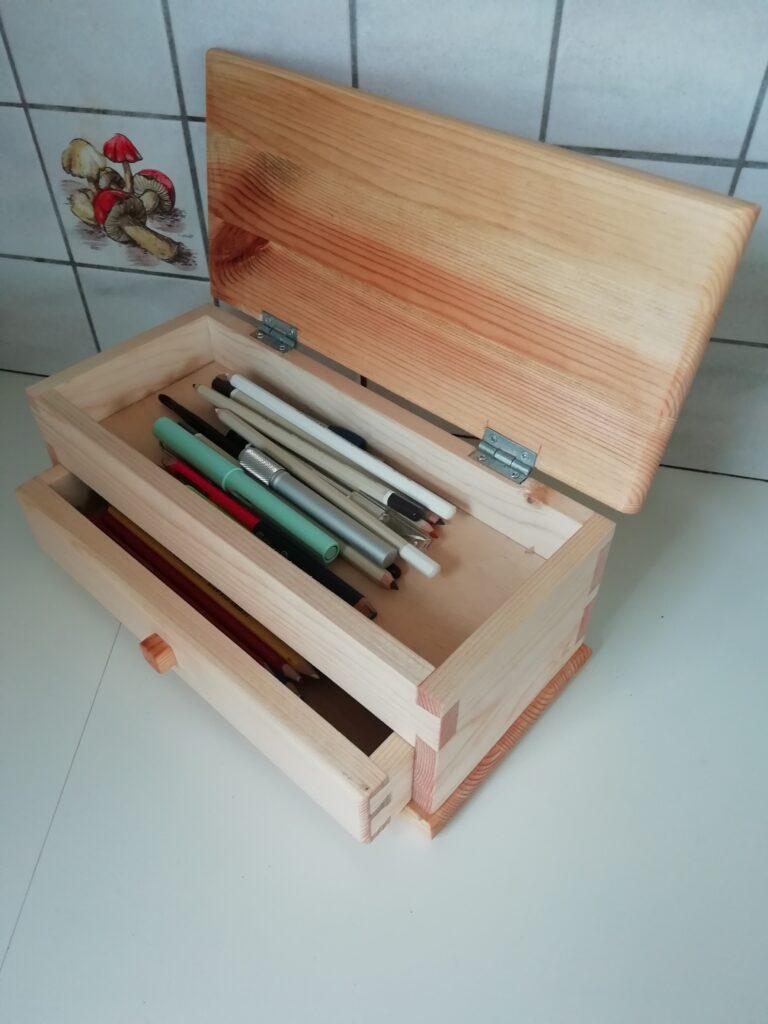 Desktop Organiser by Jean Claude Peeters 2