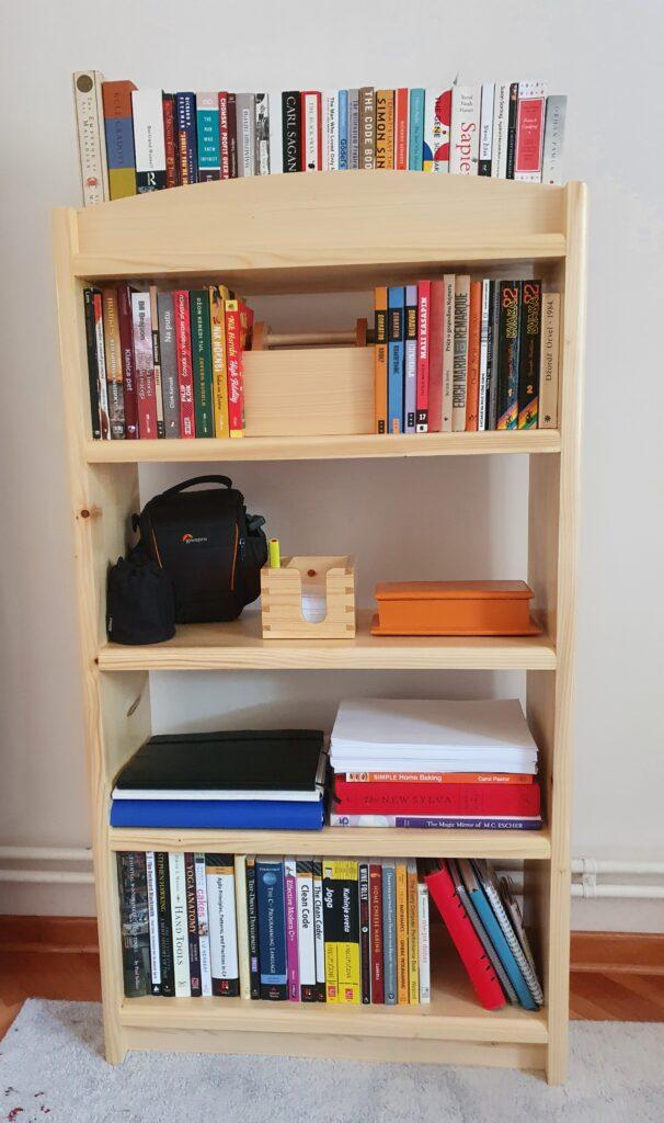 Simple Bookshelf by Nenad Jankovic